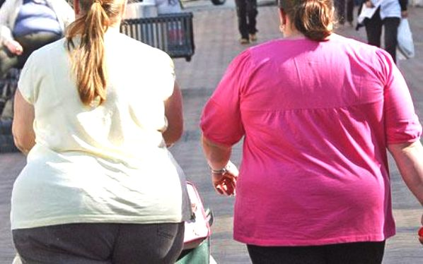 obesity_two_women_fat_street_usa